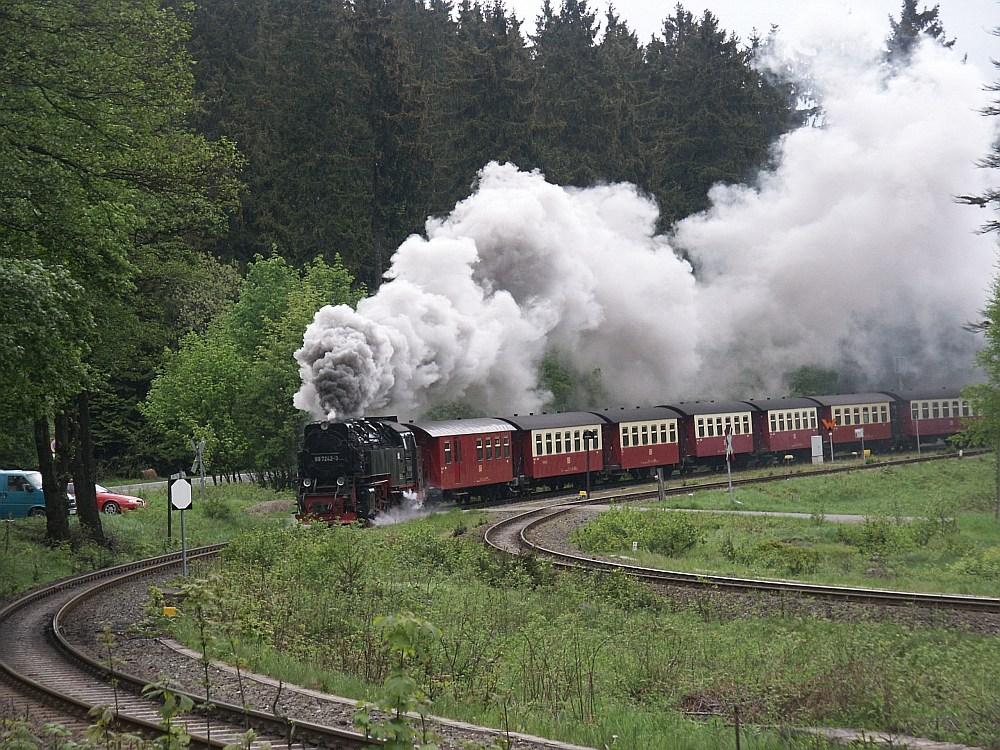 Die Brockenbahn auf dem Weg zum Brocken