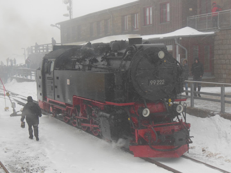 Die Brockenbahn trotzt den eisigen Winterwetter!