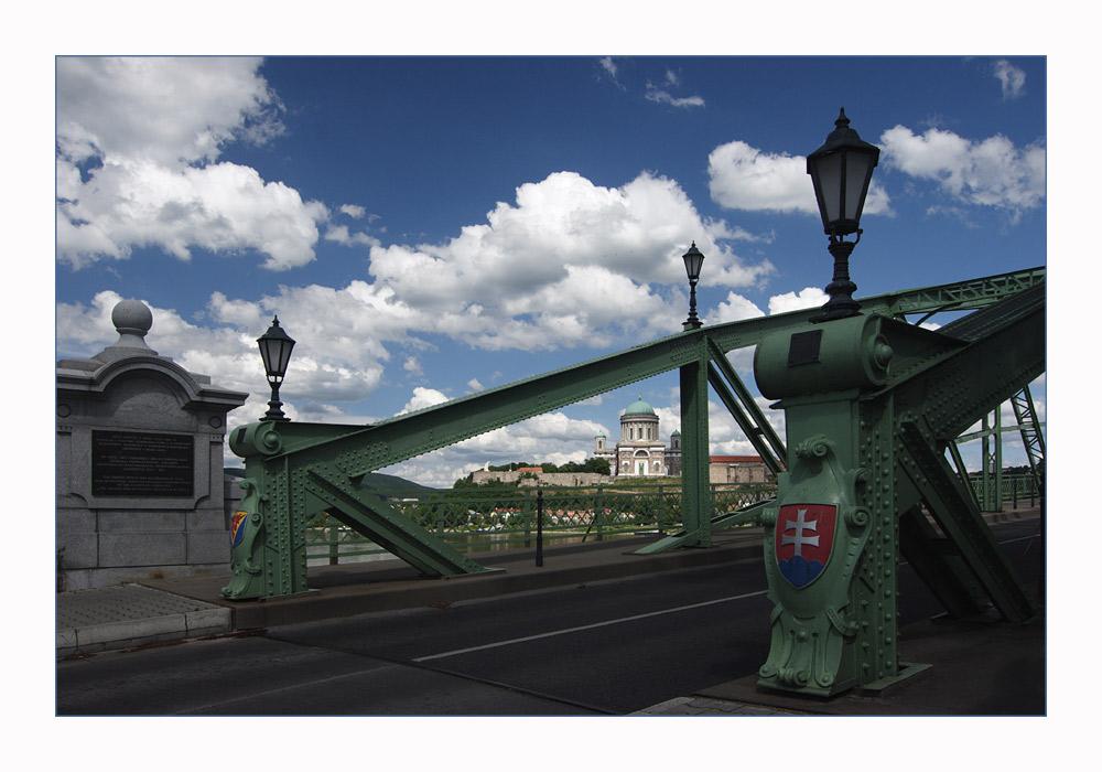 Die Brücke der Aussöhnung
