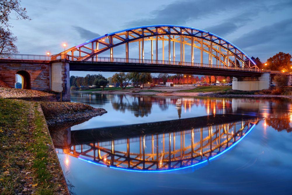 Die Brücke III
