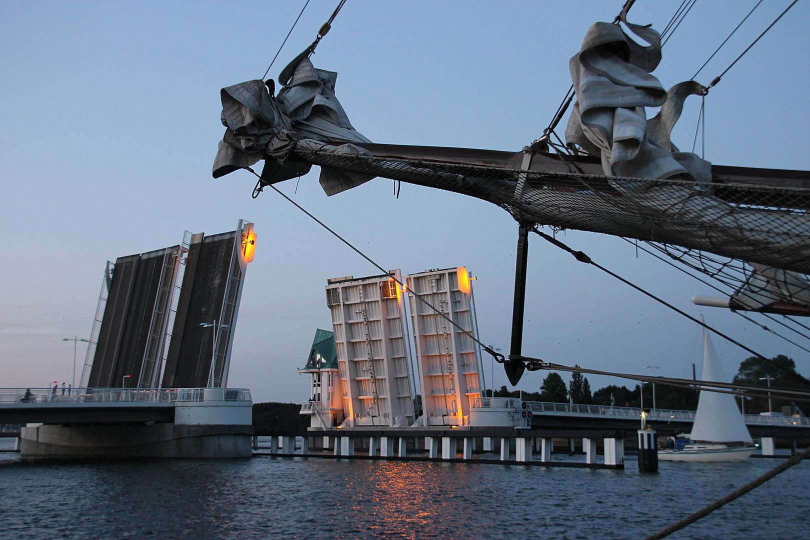 die Brücke im Abendlicht....