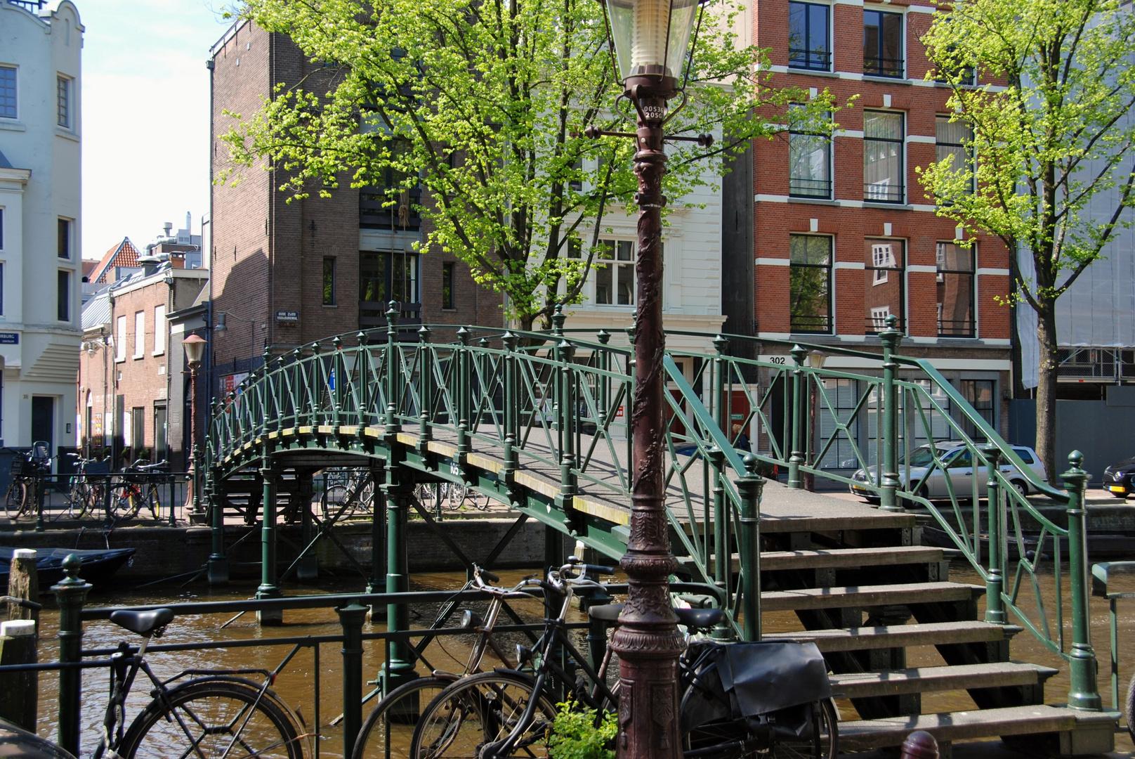 die Brücke über die Gracht