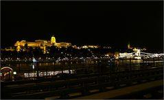 Die Burg bei Nacht