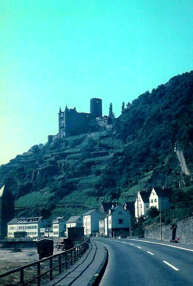 Die Burg Katz in Sankt Goarshausen (1)