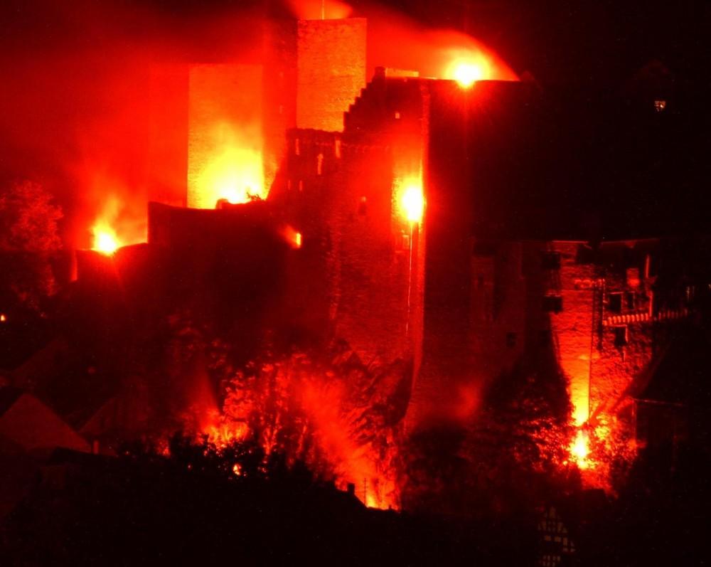 Die Burg Runkel in Flammen 2009 (2)
