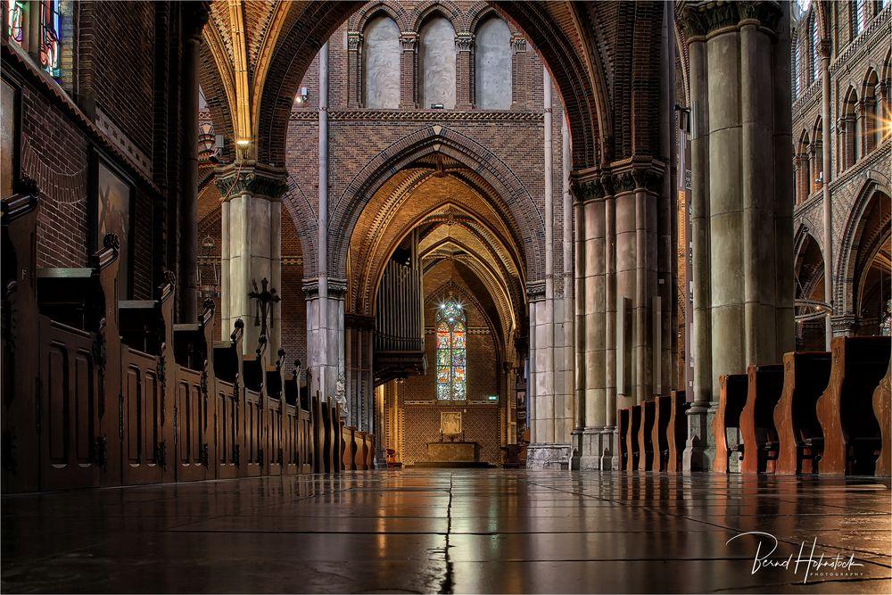 Die Catharinakerk zu Eindhoven ....