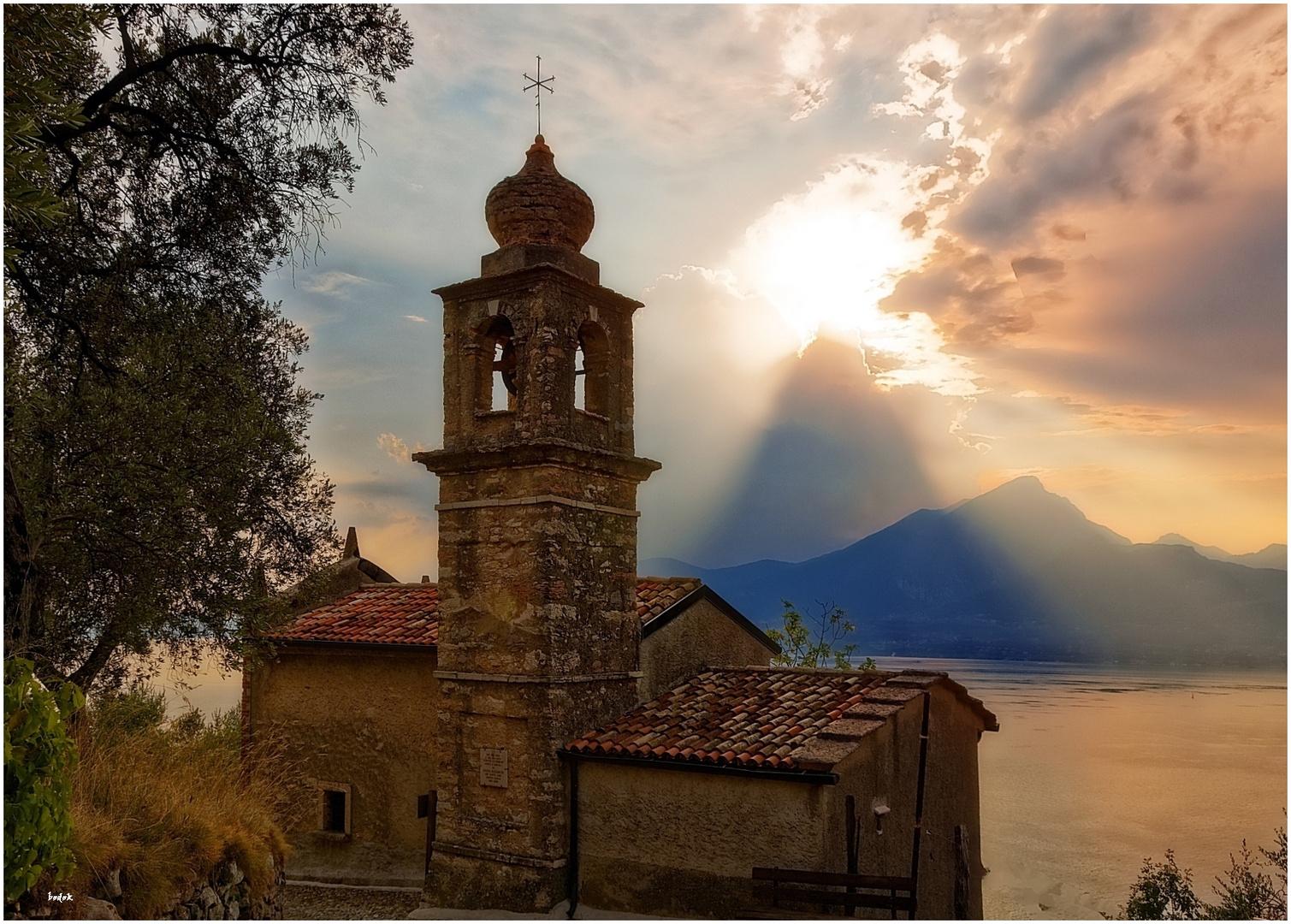 """Die """"Chiesetta"""" von San Siro   -   vor dem Gewitter"""