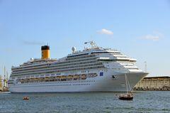 """Die """"Costa Fortuna"""" zur Hanse Sail 2014 in Warnemünde"""