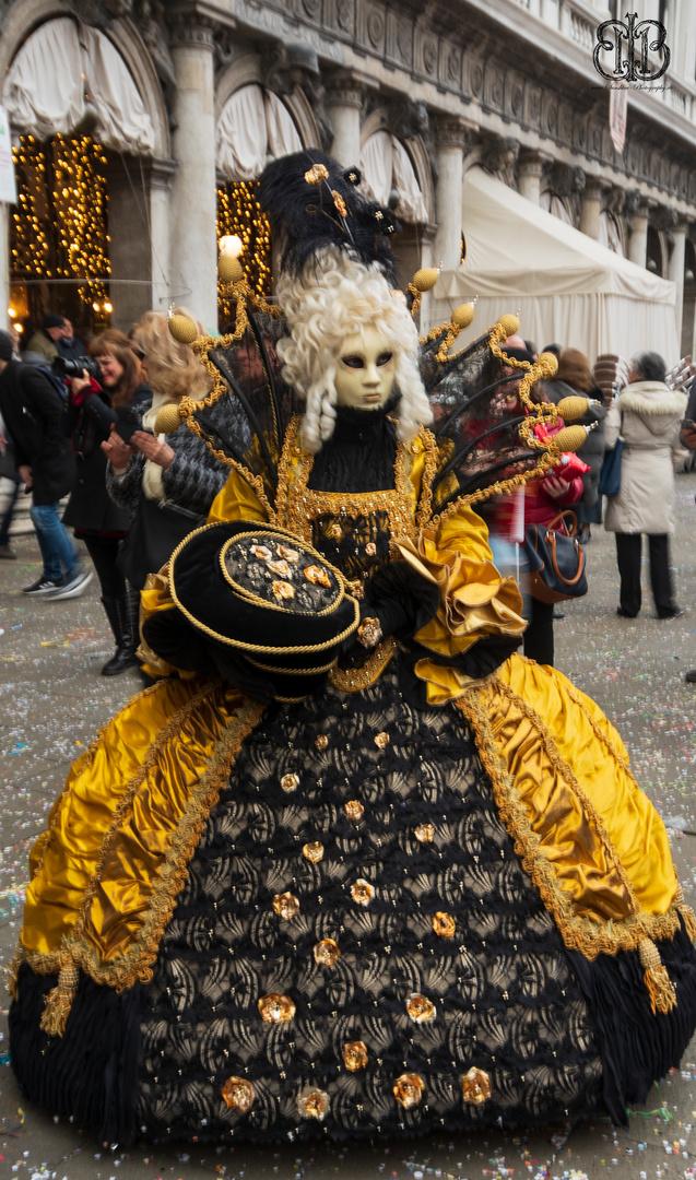 Die Dame In Gold