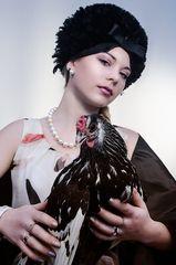 Die Dame mit dem Hühnchen -1