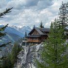 Die Dolomitenhütte.....
