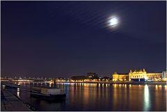 Die Donau bei Nacht
