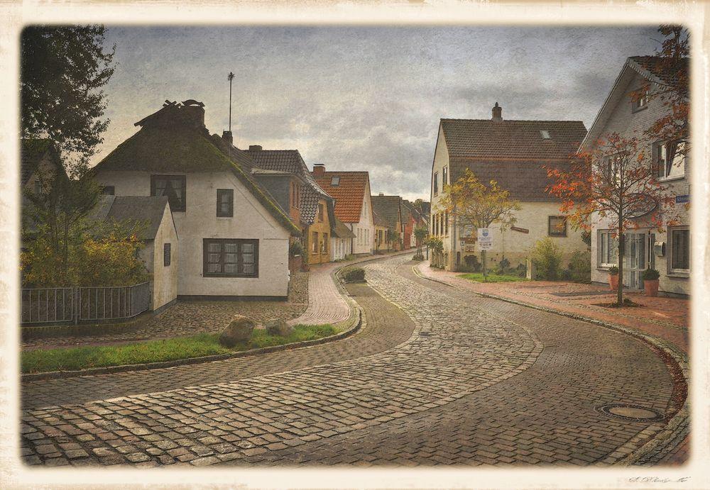 die Dorfstraße...