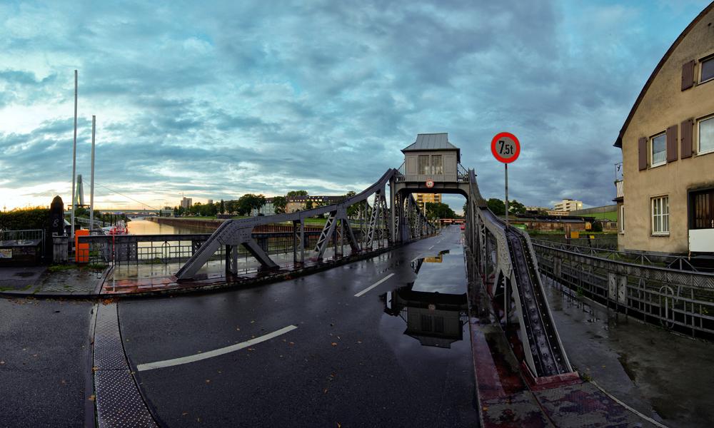 Die Drehbrücke