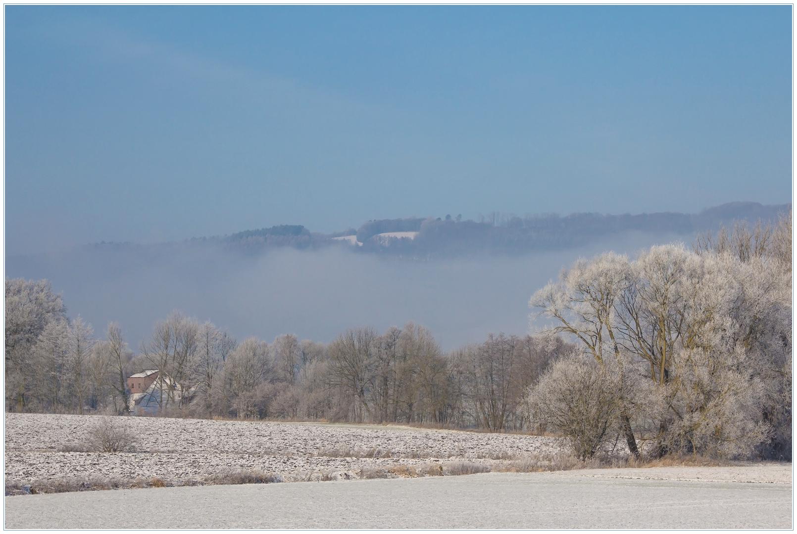 Die Duhne-Wassermühle im winterlichen Weserbergland...
