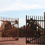 Die Eisenbahnbrücke im neuen Stil ......
