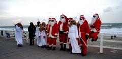 die engel und weihnachtsmänner kommen auf sylt nicht mit rentierschliten an