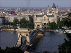 Die erste feste Brücke...