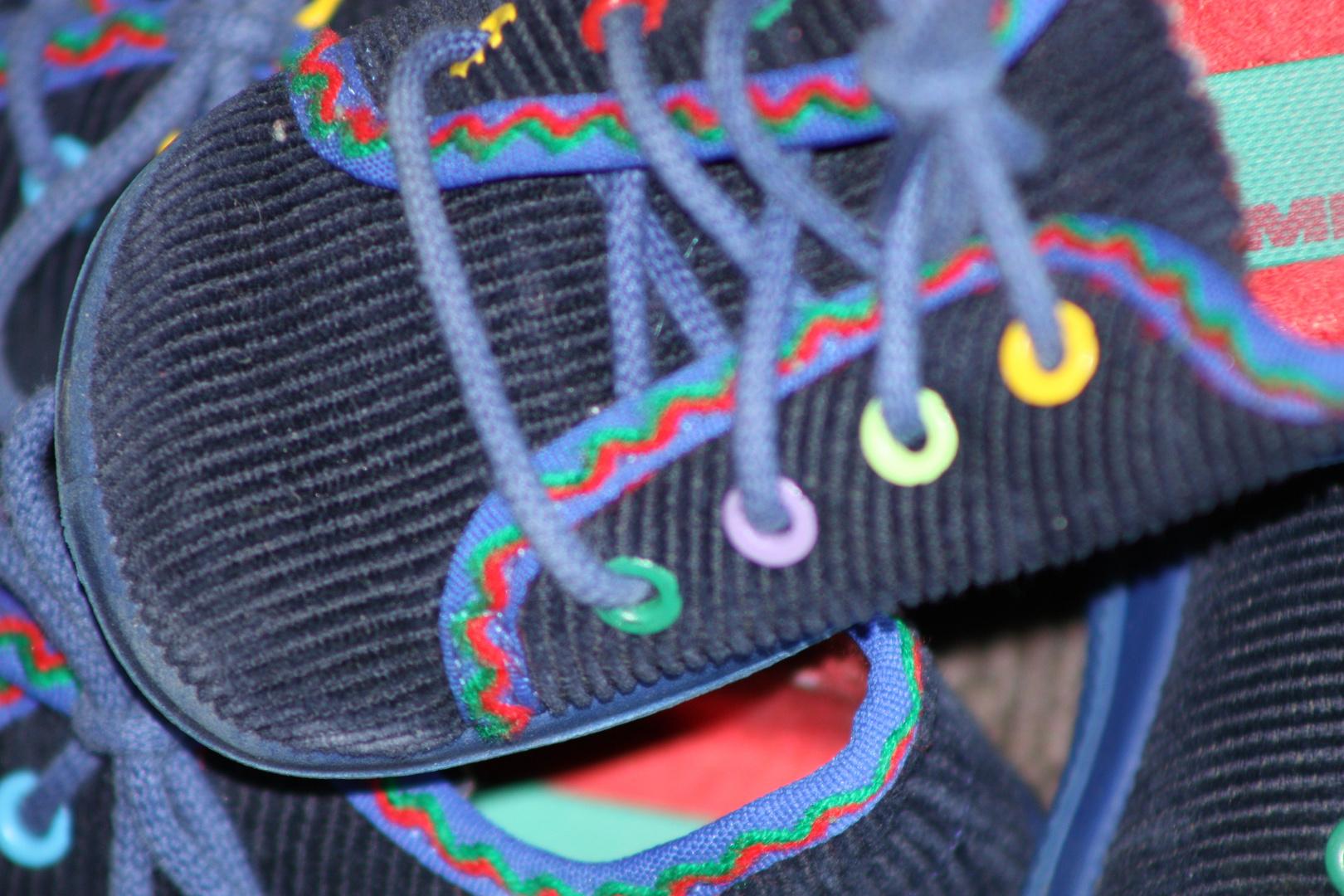 Die ersten Schuhe.......