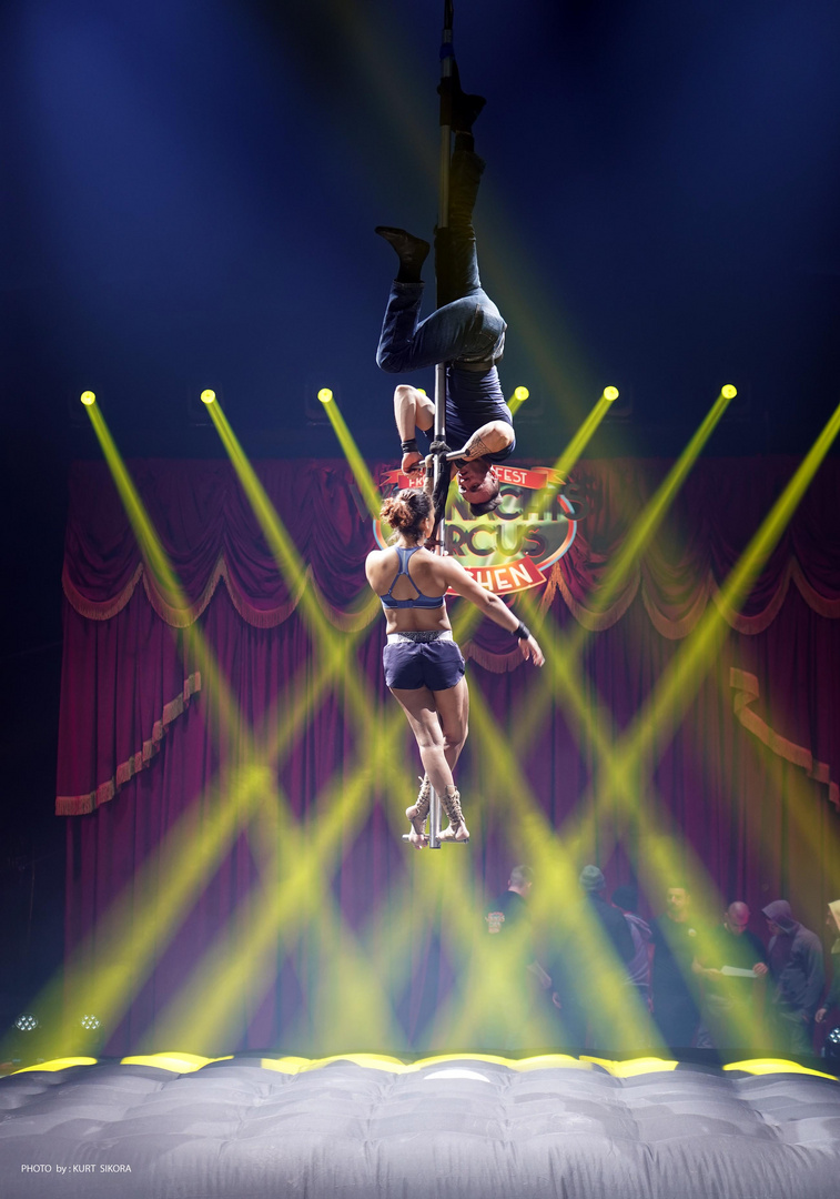 Die ersten Stunden im neuen Zirkus.