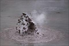 die explosion kochenden schlammes