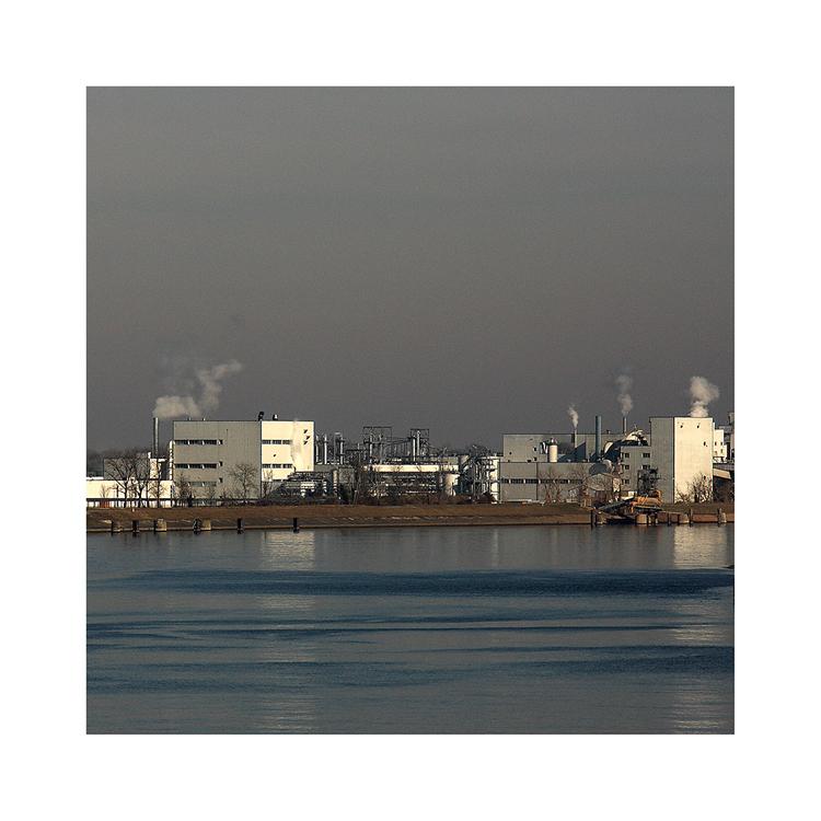 ...die Fabrik