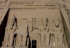 Die Fassade von Abu Simbel