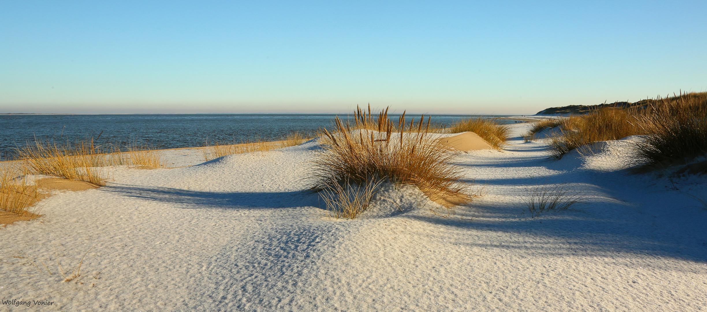 Die fast unendliche Weite, nur angenehmes Wind,- und Meeresrauschen ist wahrzunehmen