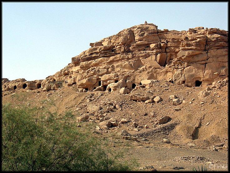 Die Felsengräbr von Elkab