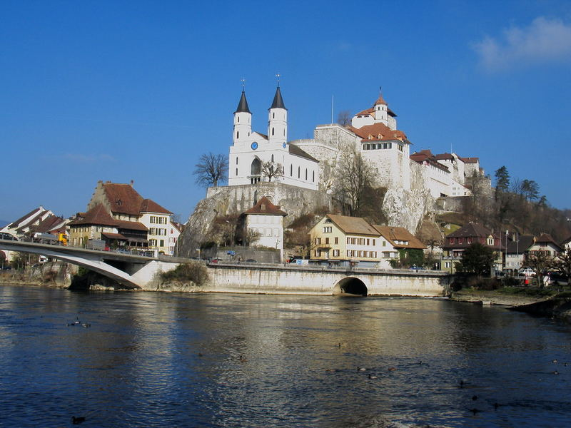 Die Festung mit Kirche in Aarburg Kt. Aargau