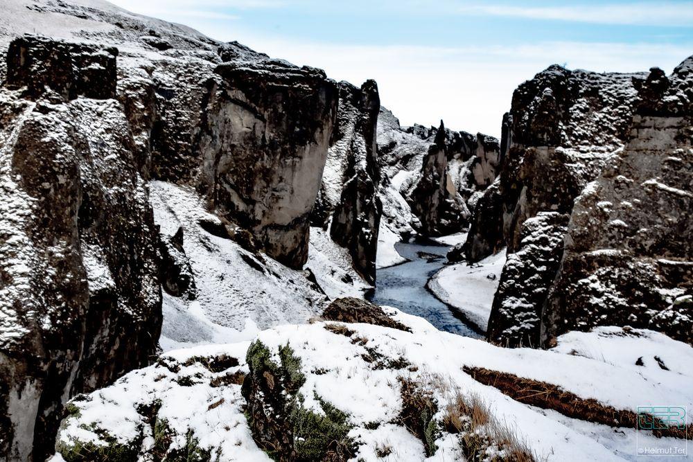 Die Fjaðrárgljúfur-Schlucht im Süden Islands.