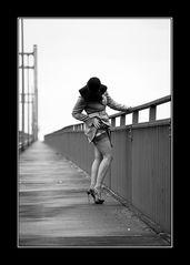 Die Frau auf der Brücke