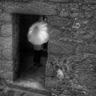 Die Frau mit dem Regenschirm, Besichtigungstermin? (98)