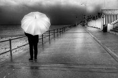 Die Frau mit dem Regenschirm, eine Saison geht zu Ende (97)