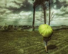 Die Frau mit dem Regenschirm erreicht Port Blanc (90)