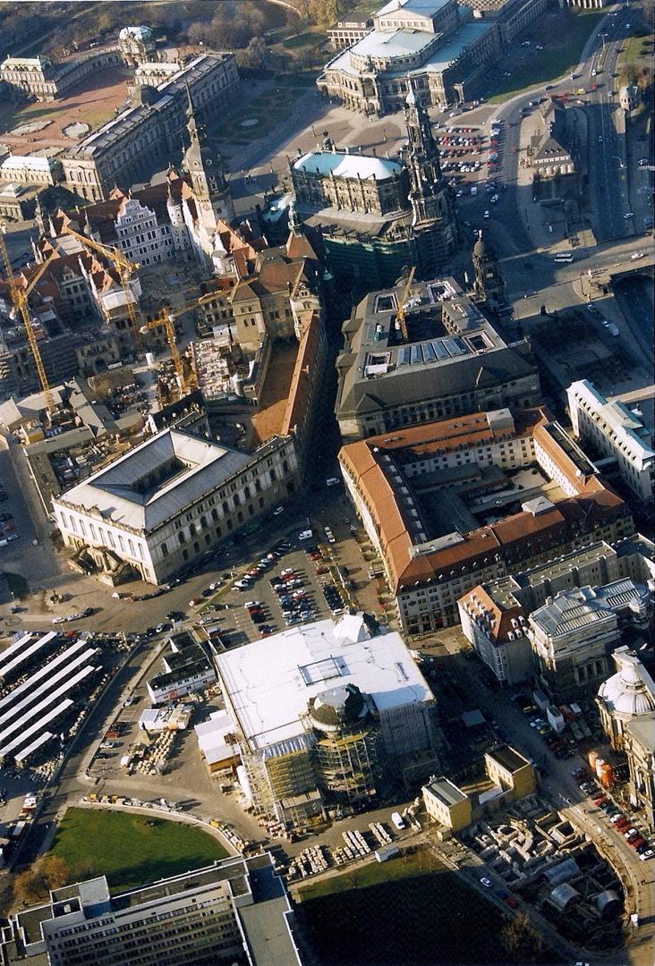 die Frauenkirche 1997 im Wiederaufbau