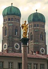 Die Frauenkirche in München mal aus einem ganz anderen Winkel