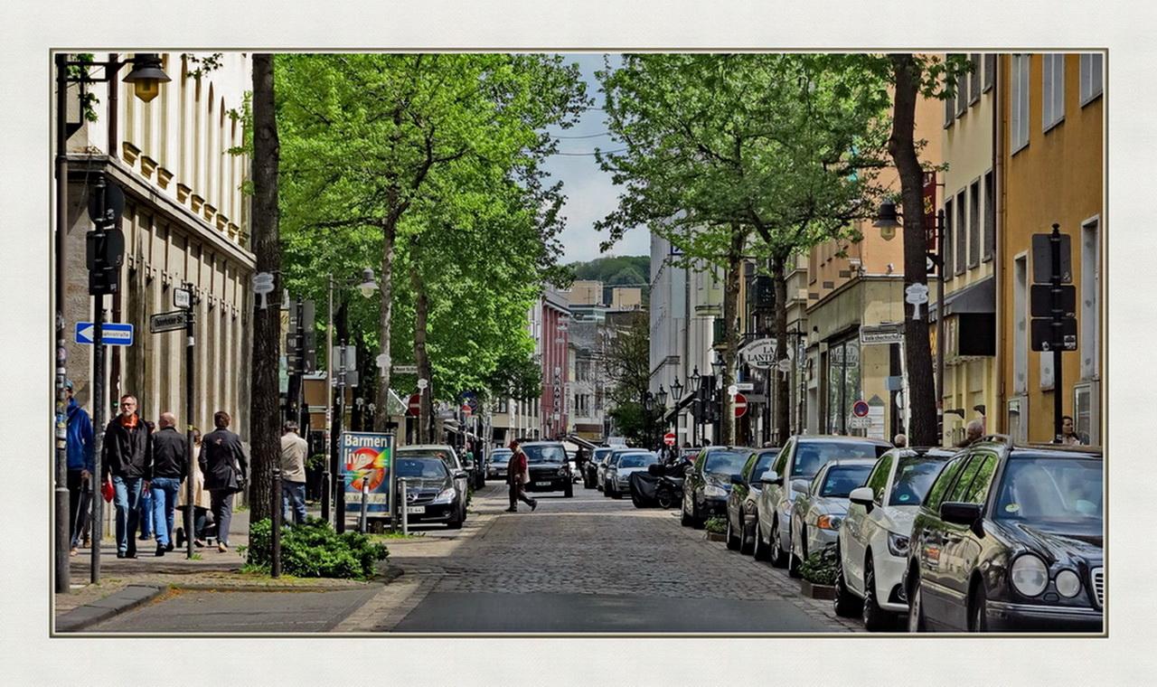 die Friedrich-Ebert-Straße