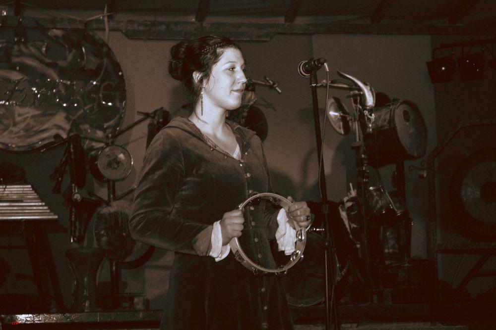 die Frontfrau von Lay Quendi aus Magdeburg