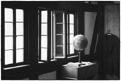 die ganze Welt schaut zum Fenster raus