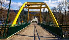 Die gelbe Brücke