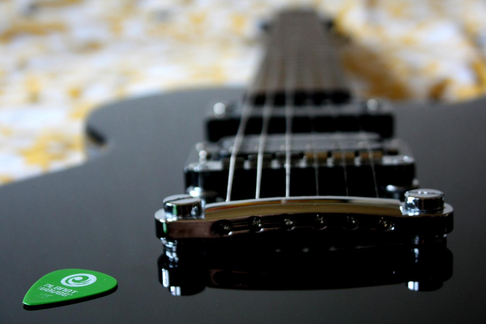 die gitarre.