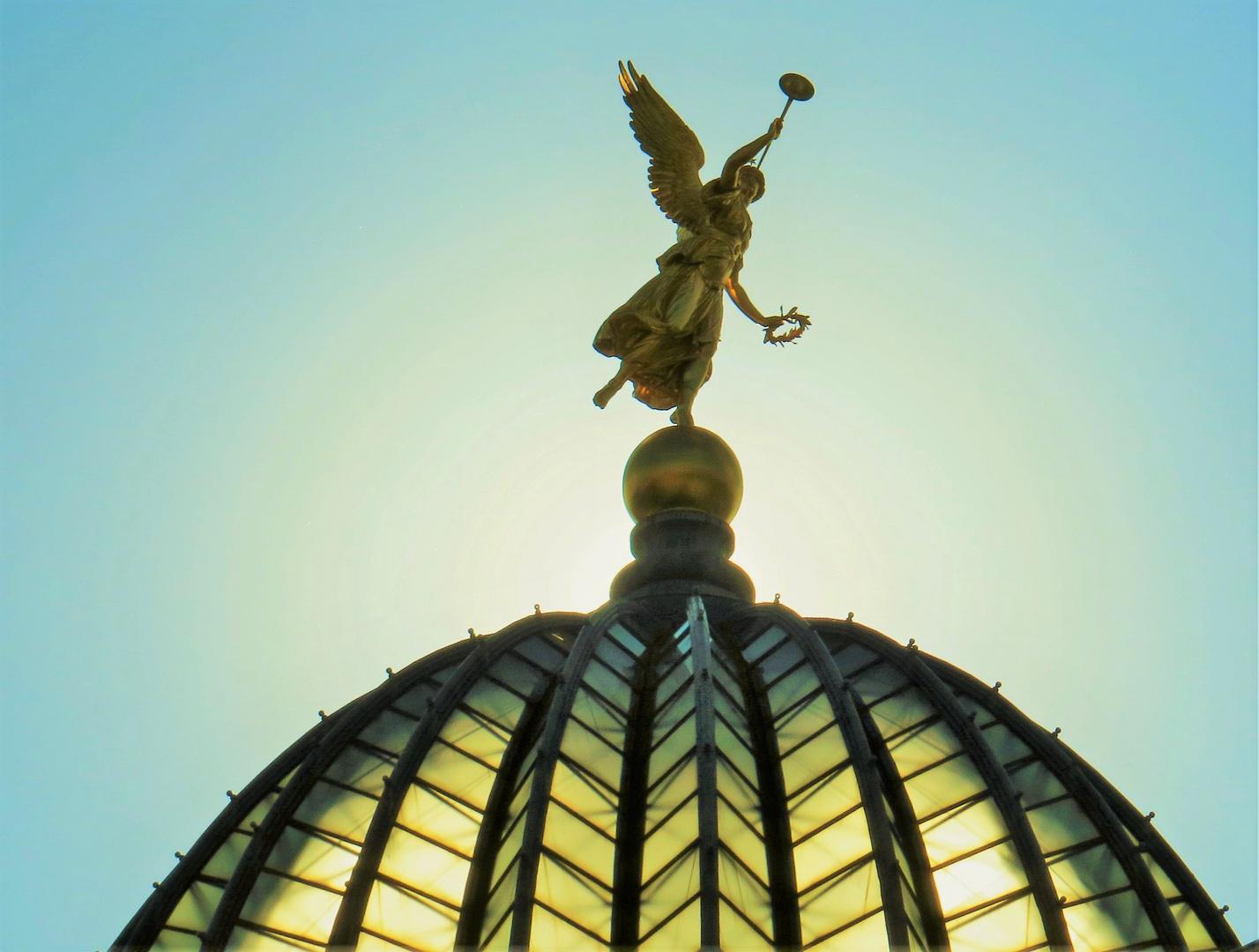 Die Glaskuppel der Akademie der bildenden Künste (Dresden)