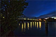 Die Glienicker Brücke in der Nacht 2