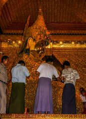 ...die goldene Mahamuni...
