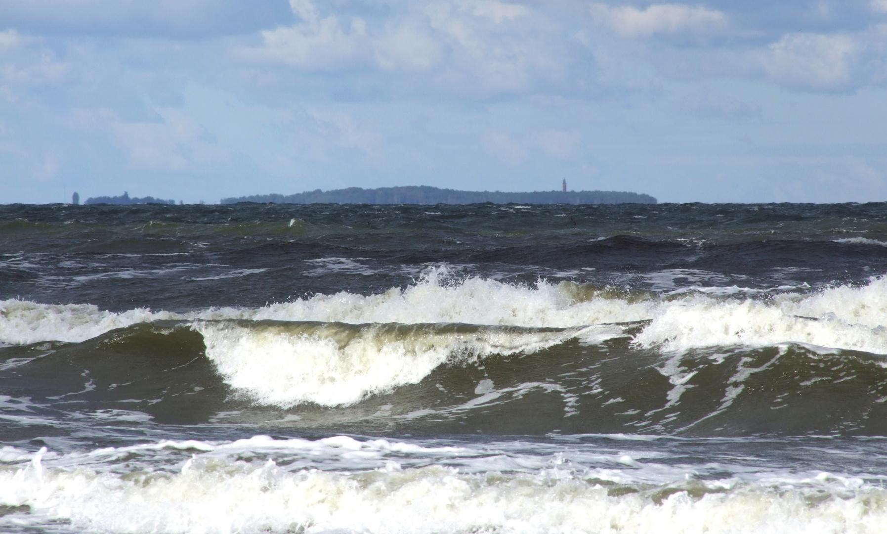 Die Greifswalder Oie vom Strand  Trassenheide aus ....