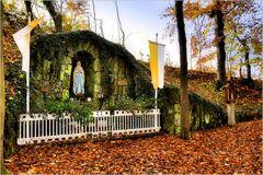 die Grotte im Herbst...