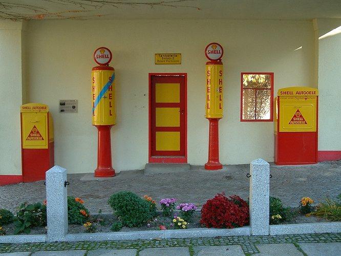 Die gute alte Shell Tankstelle an der Ecke