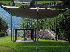 Die hängenden Stühle vom Ossiacher See