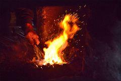 Die Hand ins Feuer legen ...